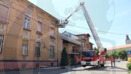 acoperișul unei clădiri a cedat